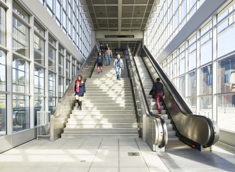 美国华盛顿大学轻轨站-12