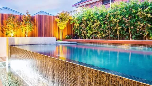 赶紧收藏!21个最美现代风格庭院设计案例_15