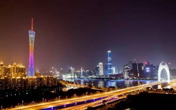 全球50个地标性建筑,认识10个就算你合格!-广州塔(小蛮腰)(中国·广州) .jpg