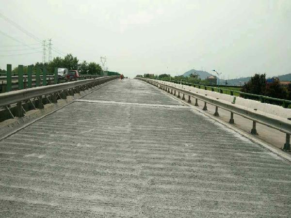 桥面铺装标准化施工工艺,这次只讲一种做法