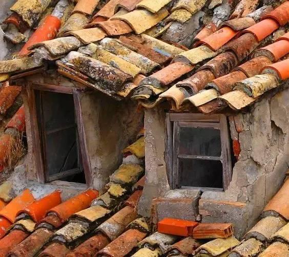 屋顶上的创意丨瓦片_11