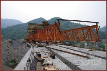 高墩及超小曲线半径箱梁架设施工技术(中交)
