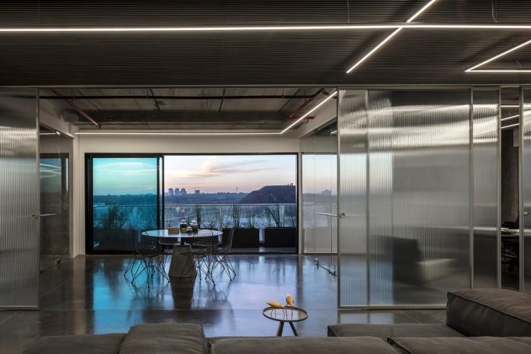 Basix灵活且动态的总部办公室-14