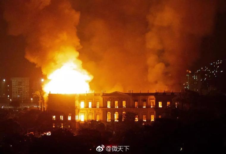 巴西博物馆的大火敲醒世界警钟!我们的故宫安全吗?