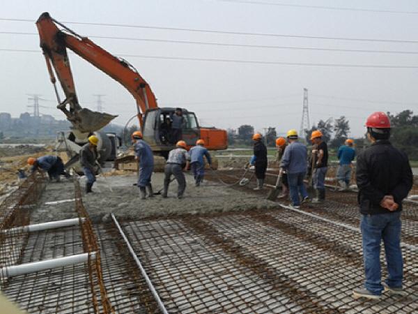 227条市政道路建设、29项大棚改项目、71个便民停车场