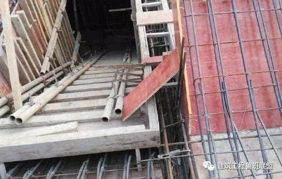 现场预制楼梯:效率高、费用低、质量好