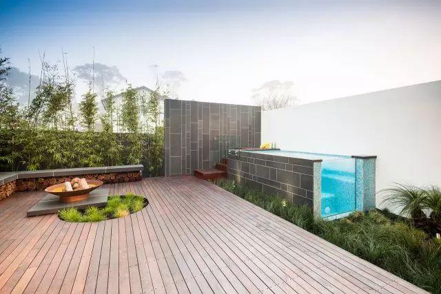 赶紧收藏!21个最美现代风格庭院设计案例_3