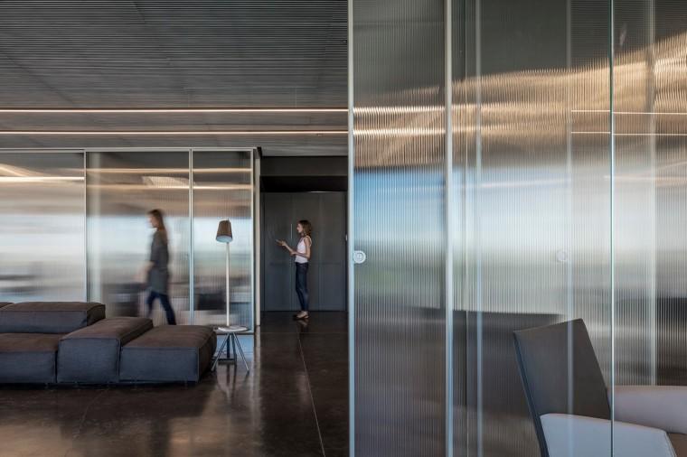 Basix灵活且动态的总部办公室-7