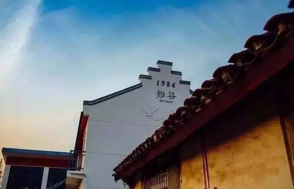 """他花了3年时间,把自家老宅改造成了上海民宿界的""""网红"""""""