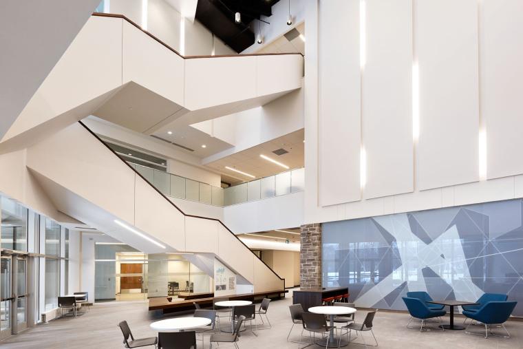 西安大略大学护理学院与信息媒体研究院教学楼-9