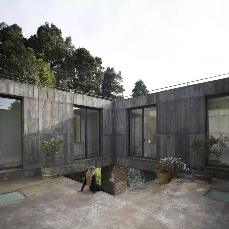 这个智利建筑事务所设计房子,几乎像是一场方形、圆形或其他元素_32