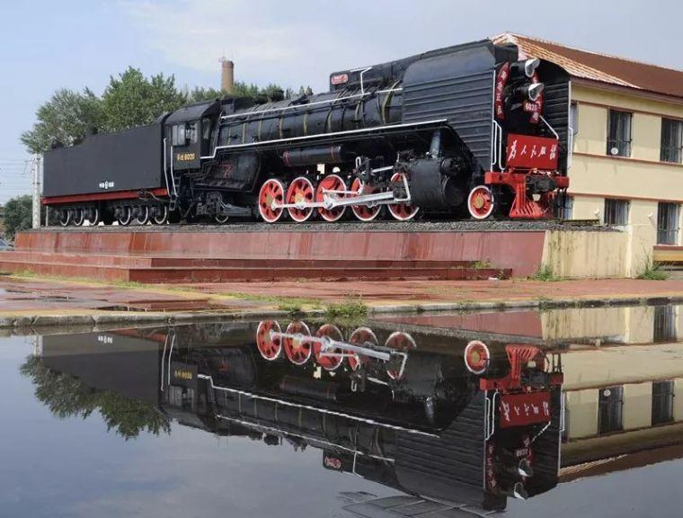珍贵的蒸汽机车老照片,勾起几代人的青春回忆……