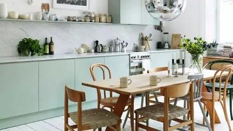 充满木质元素的软装搭配 尽显日式厨房的清新古朴