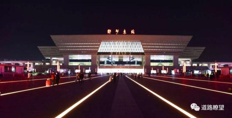 亚洲最大高铁站究竟是哪个?我只看,我不说话!