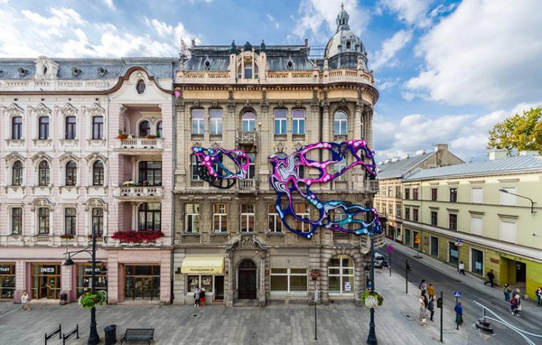波兰lodz新艺术派大楼外立面艺术装置