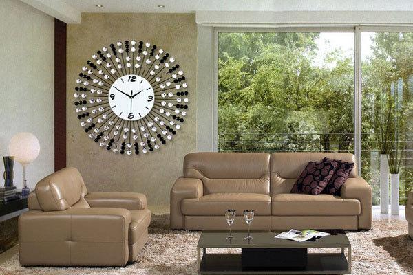 客厅钟表不能随意摆,五大风水原则助你获福避煞!