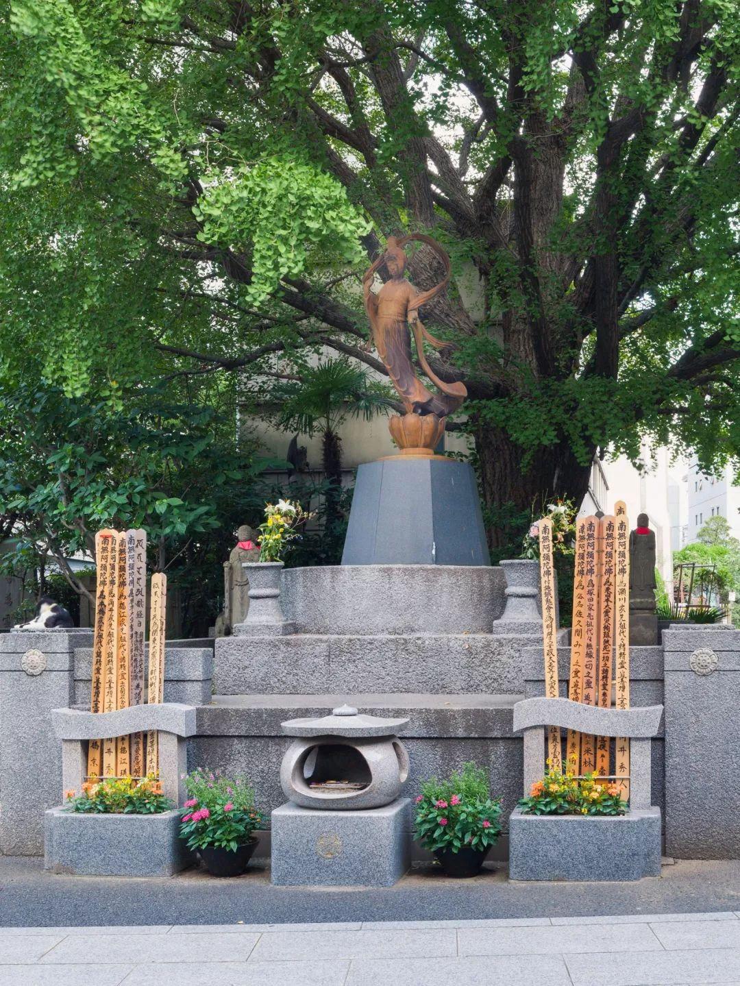 360年历史的寺庙改造,用水晶做围墙,斩获日本设计大奖!_27