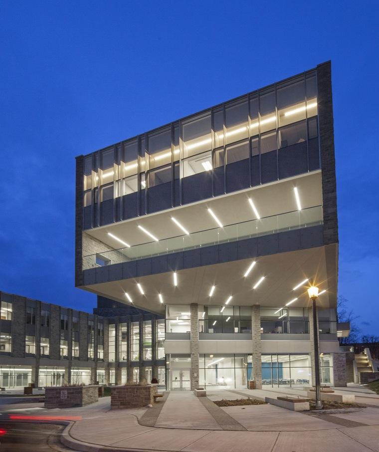 西安大略大学护理学院与信息媒体研究院教学楼-7