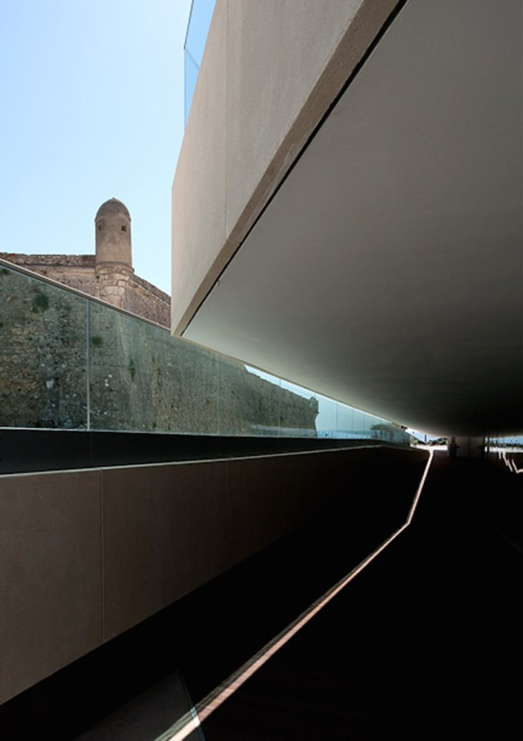 葡萄牙D.DiogodeMenezes广场_10
