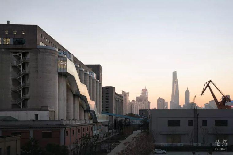 """建筑师爆改""""巨无霸""""老粮仓,除了新增100多米长的扶梯,竟还…_15"""