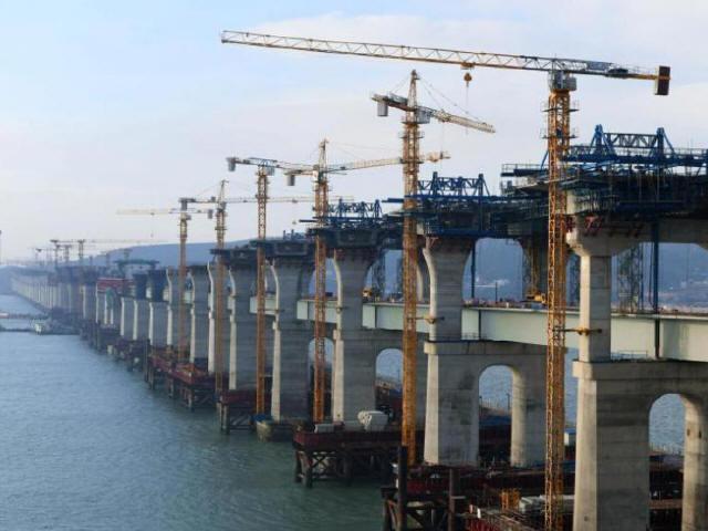 中国首座跨海峡公铁两用大桥完成桩基施工_3