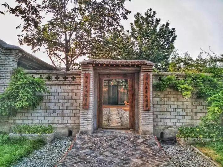 竟有人把院子改造得这么美,没有了老砖墙,只为了让家更通透!