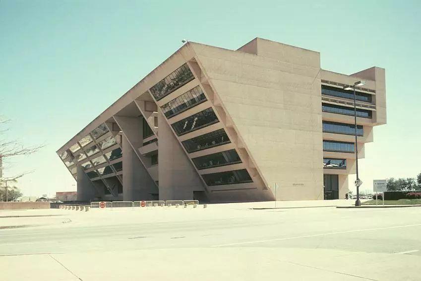 致敬贝聿铭:世界上最会用「三角形」的建筑大师_93