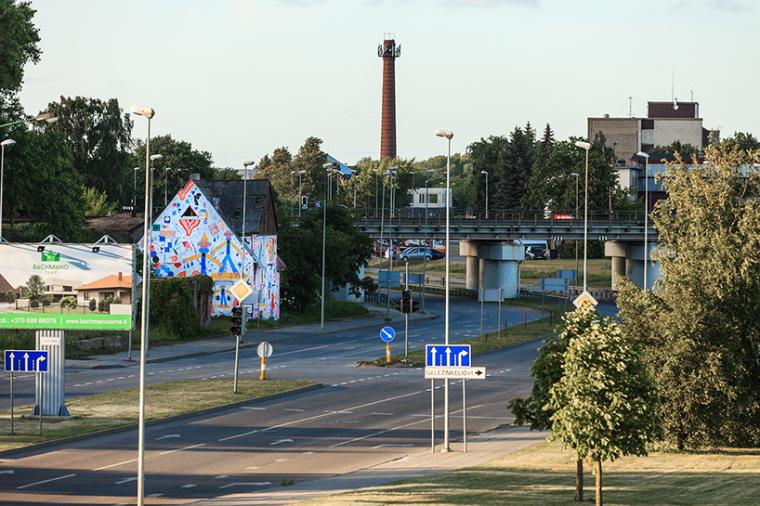 立陶宛房屋外墙上涂鸦景观-2