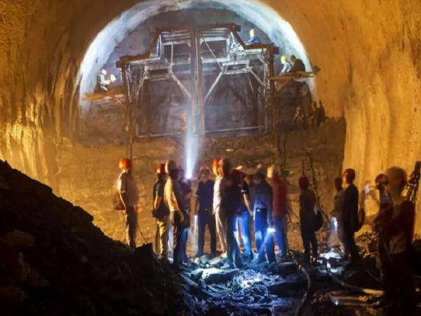 湿软黄土隧道修建新技术