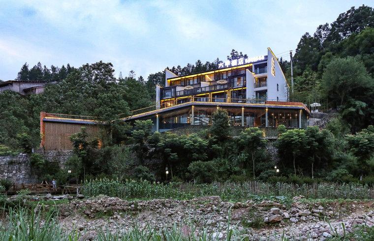 张家界传统湘西风格的六甲设计酒店-9