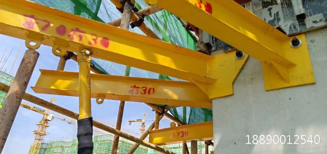 一种新型悬挑架的安装搭设装置_22
