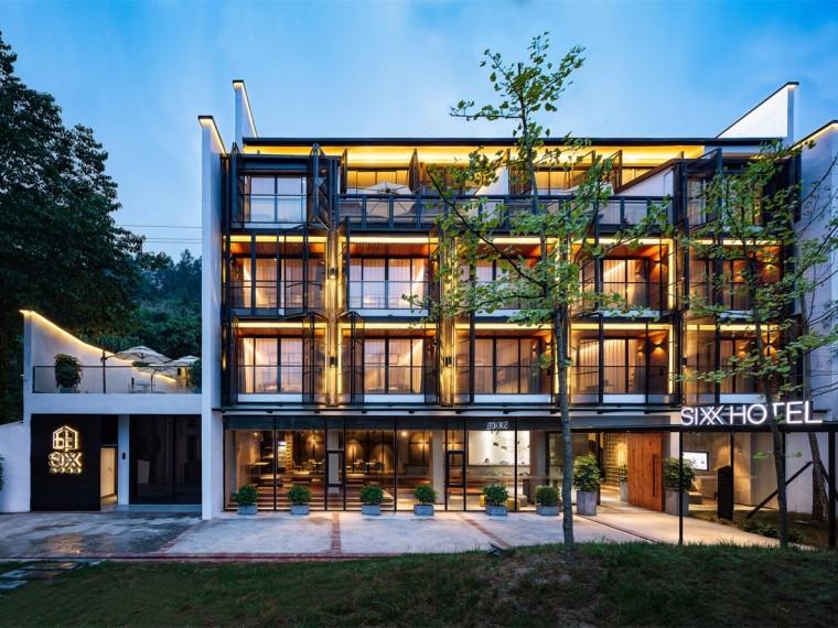 张家界依山而建的六甲酒店