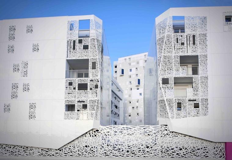法国花式隔热混凝土的公寓楼外部实景图 (2)