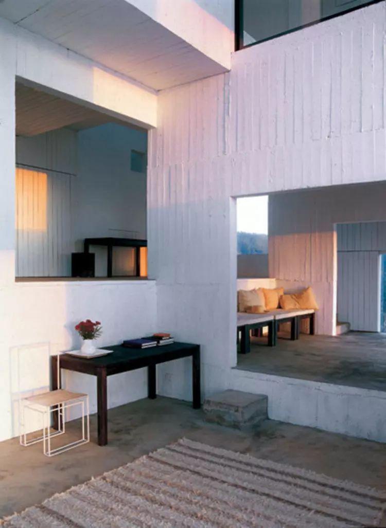 这个智利建筑事务所设计房子,几乎像是一场方形、圆形或其他元素_17