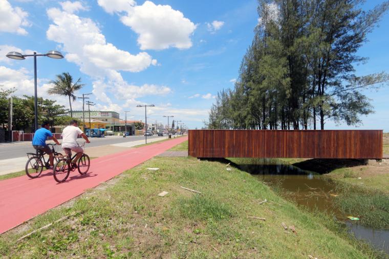 巴西海边栈道景观-3