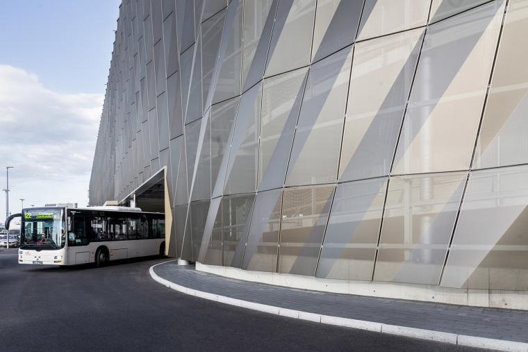 斯图加特机场公交枢纽及停车场建筑-6