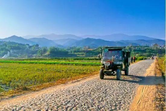 必须正视当下农村公路建设中存在的问题!