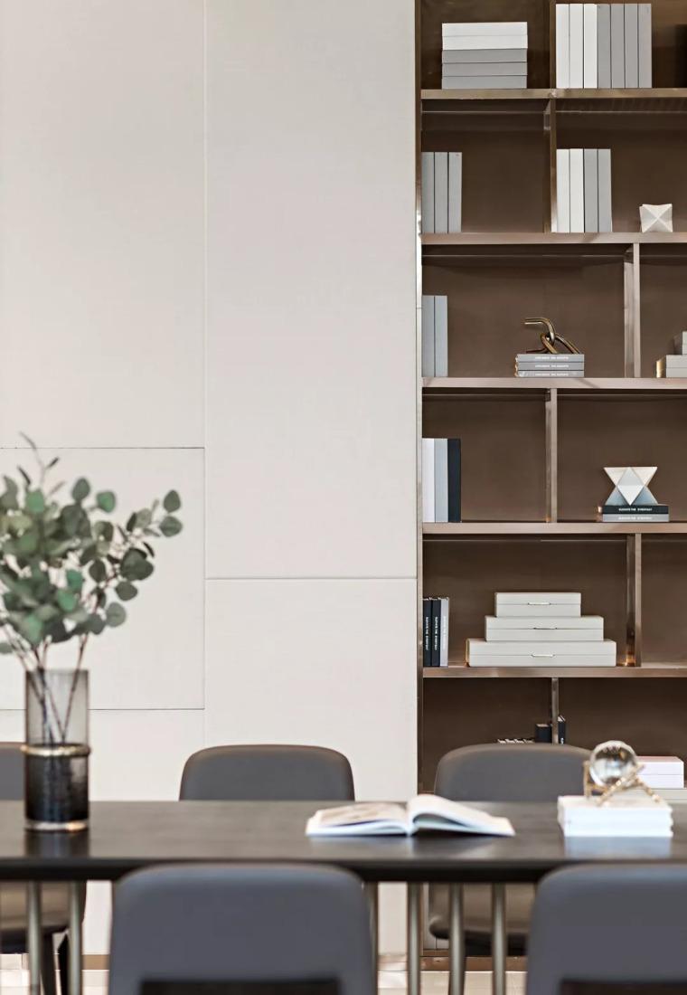 精致材料和简洁配饰,打造出低调素雅的空间_13