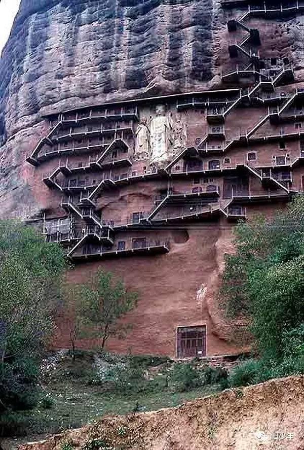 把家安在悬崖边,玩儿的就是心跳_37