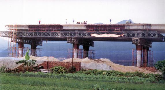 桥梁桥涵施工技术之十七顶推安装施工(54页)