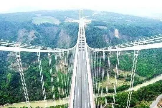"""""""亚洲第一大桥""""通车了,美国专家惊呆了!云雾浩渺,太壮观了_7"""