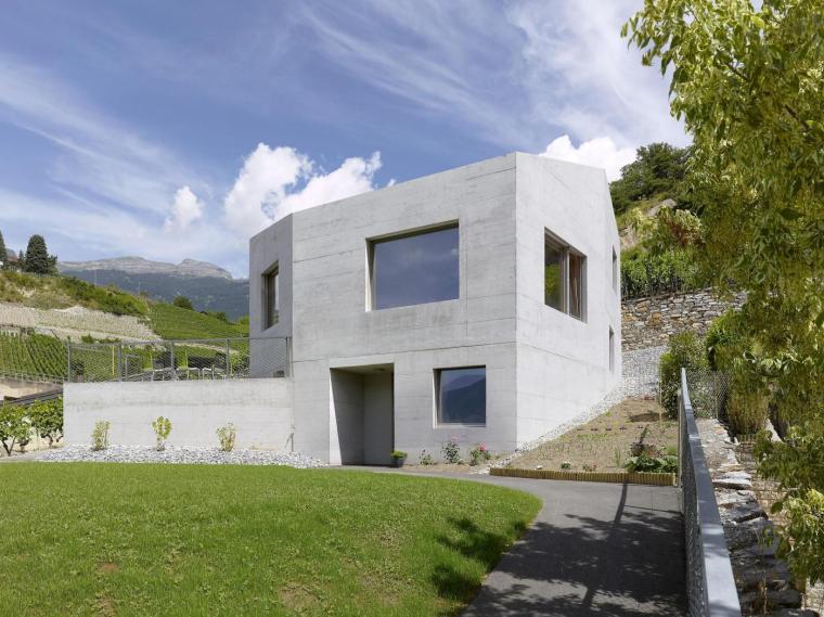 瑞士半错层住宅