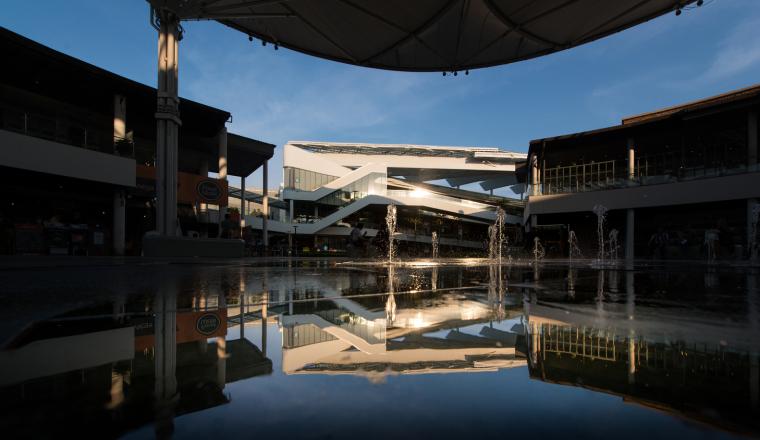 泰国Megabangna山谷购物中心实景图 (7)