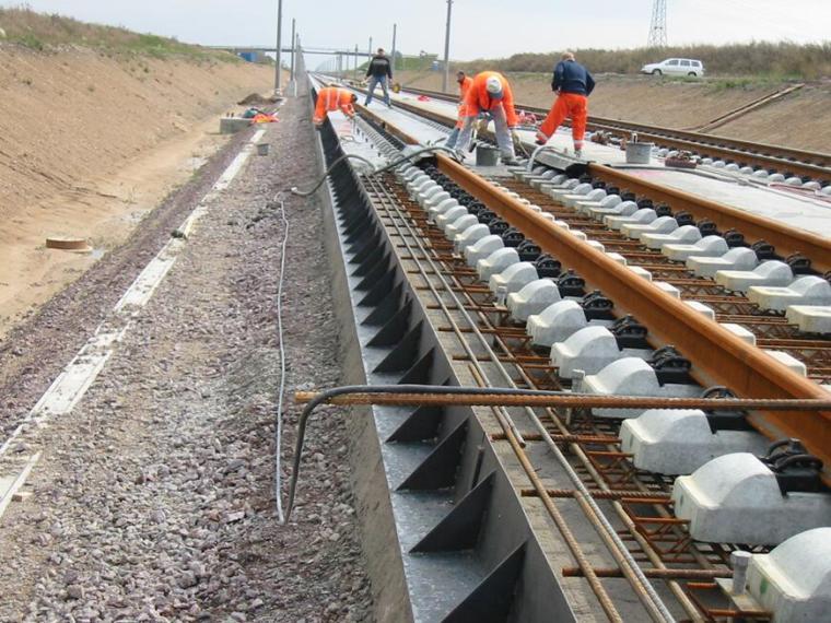 铁路路基关键技术和重点施工工艺介绍PPT(243页)