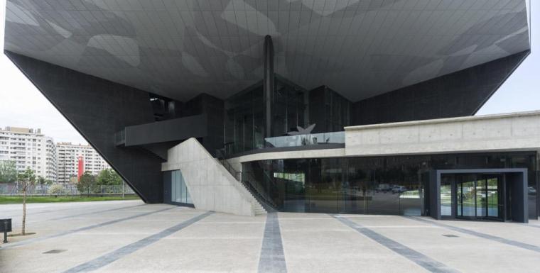 西班牙独特雕塑般构造的文化中心外部实景图 (5)