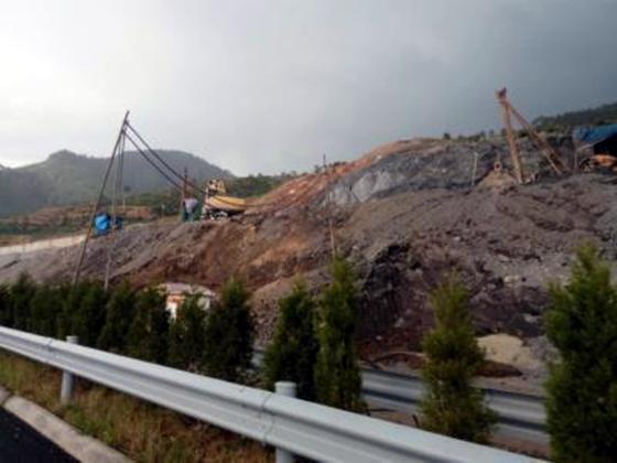 江西:昌宁高速通车半年两处护坡现塌方