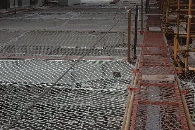 工程施工现场安全标准化图文展示256页_8