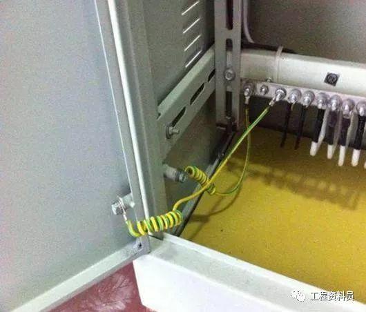桥架预留洞及封堵资料下载-配电柜、桥架施工工艺