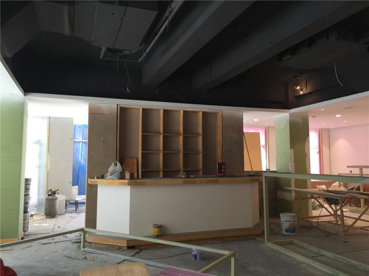 [特色餐厅设计]大连粤食粤点餐厅项目设计实景照片震撼来袭-一楼施工.JPG