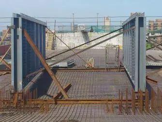 波形钢腹板组合体内外预应力混凝土箱梁施工工法_8